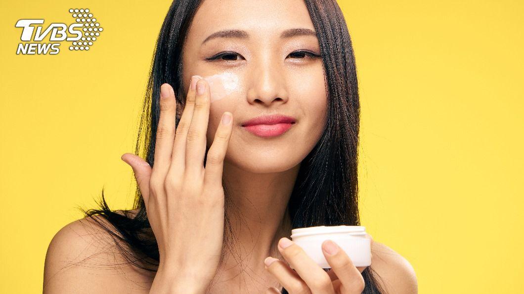 各肌膚適用的5款平價保濕聖品。(示意圖/shutterstock 達志影像) 小資族買起來! 平價保濕聖品TOP5大公開