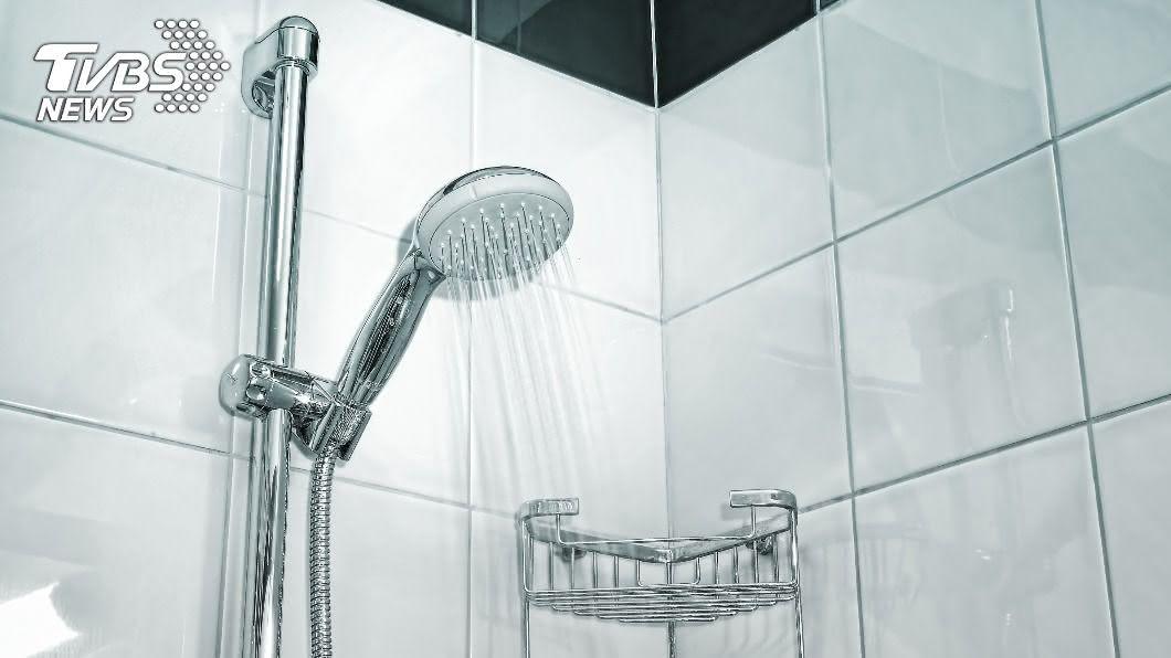 最近寒流來襲,許多人希望下班或下課回家後,可以洗個熱水澡好好放鬆。(示意圖/shutterstock 達志影像) 女曝洗熱水澡前「1怪癖」 網超有共鳴:我也會耶