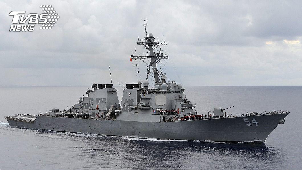 美軍魏柏號今上午航經台海。(圖/達志影像路透社) 美軍2驅逐艦航經台灣海峽 國防部:全程掌握
