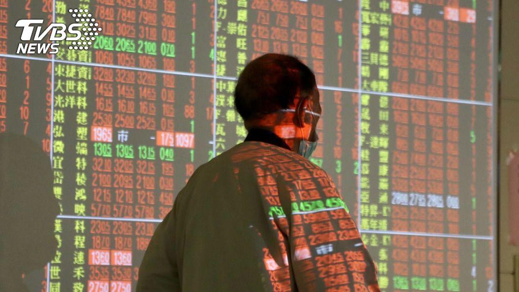 台股封關日收紅。(圖/中央社) 台股全年大漲2735點 股王大立光跌幅達36%