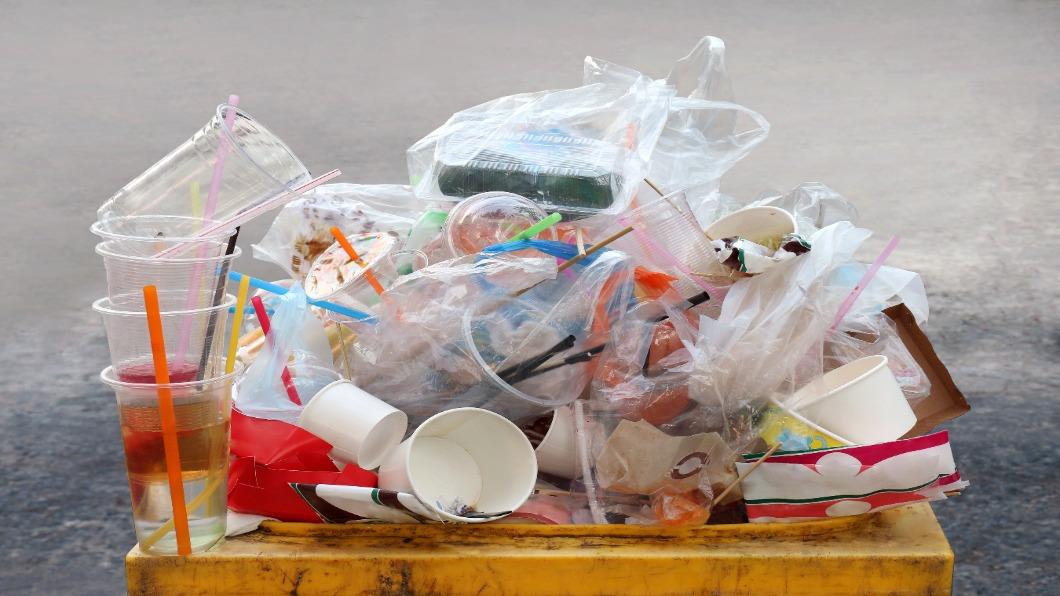 圖/達志影像 廢塑膠也能發電! 日本化工廠研發「低碳氫氣」