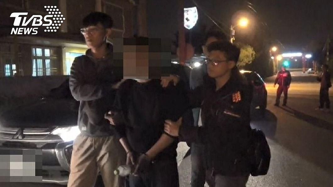 男子台中民宅開槍警方循線逮人。(圖/中央社) 男子台中民宅開槍遭逮 疑與台南鬥毆案有關
