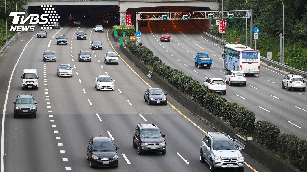 公路總局今天公告228屏東實施交通疏運的熱點道路。(示意圖/中央社) 二二八連假將至 公路總局公告屏東疏運交通熱點