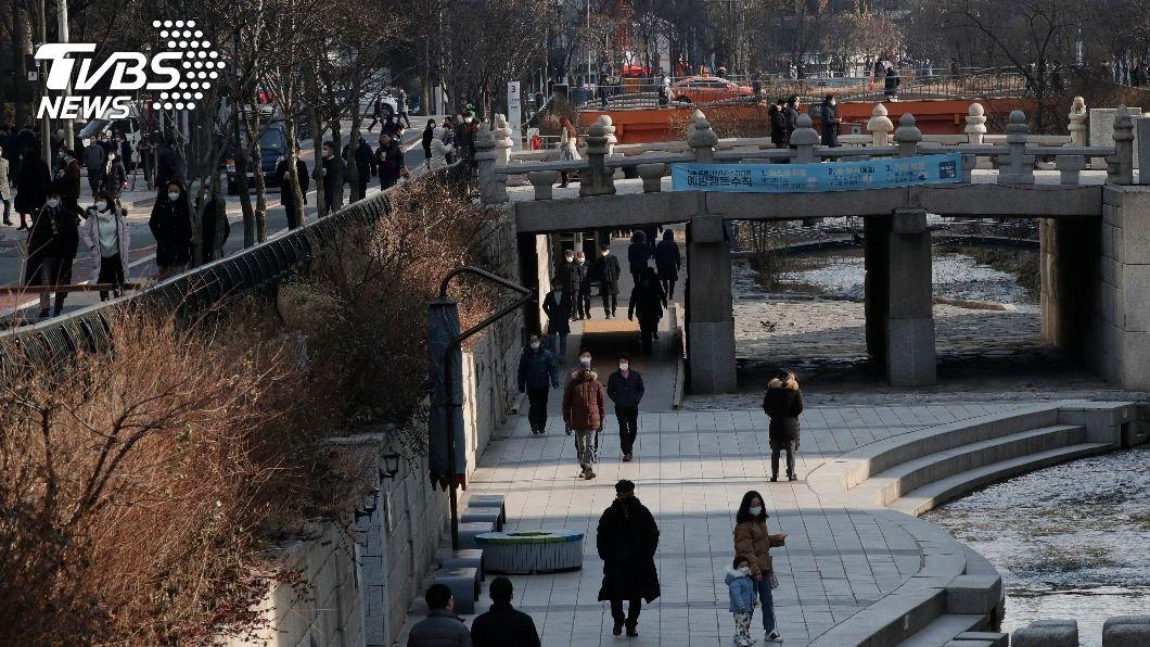 韓國今起禁止5人以上聚會。(圖/達志影像美聯社) 韓國全境禁5人以上聚會 專家籲注意防疫倦怠