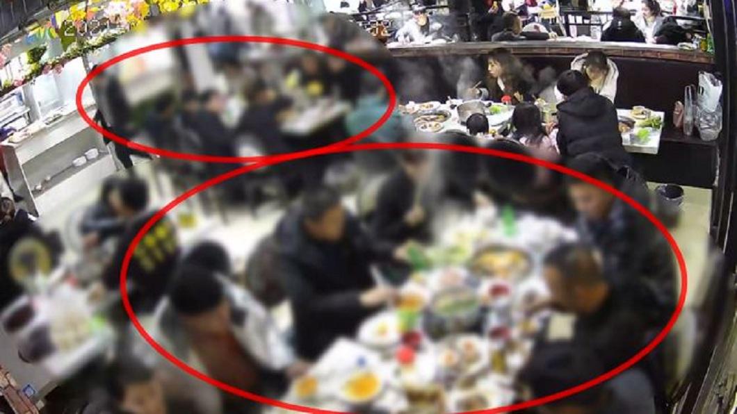 大陸貴陽日前有疑似某公司的16名員工到燒烤火鍋店聚餐,吃完後卻沒付帳就偷偷落跑。(圖/翻攝自網易新聞) 16人聚餐「沒付錢全落跑」 被抓包反嗆:老闆怎不來收