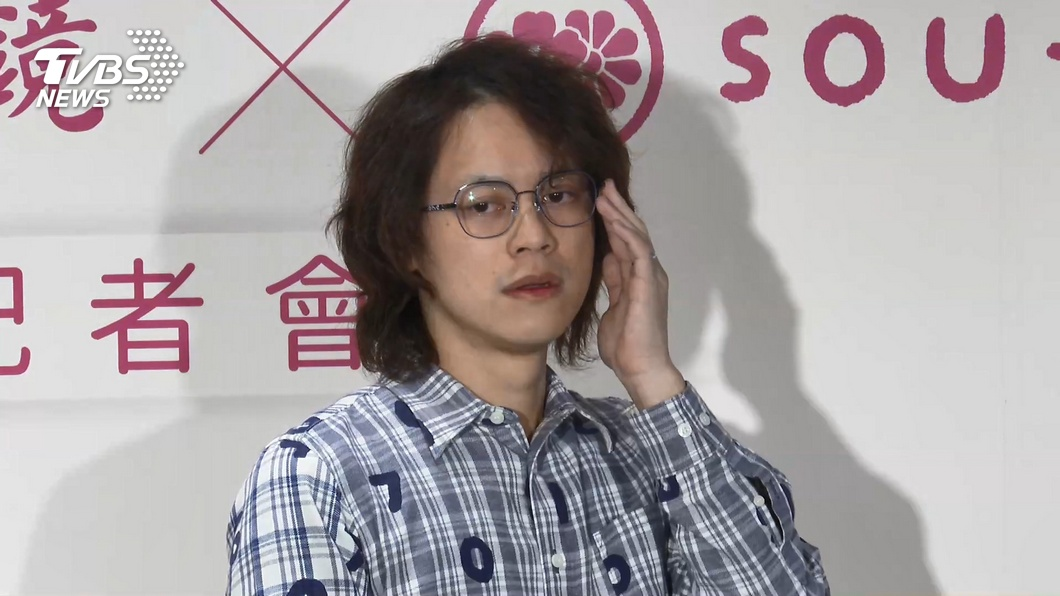 圖/TVBS 鄧福如為廣告譜曲 百萬網紅尪代妻站台
