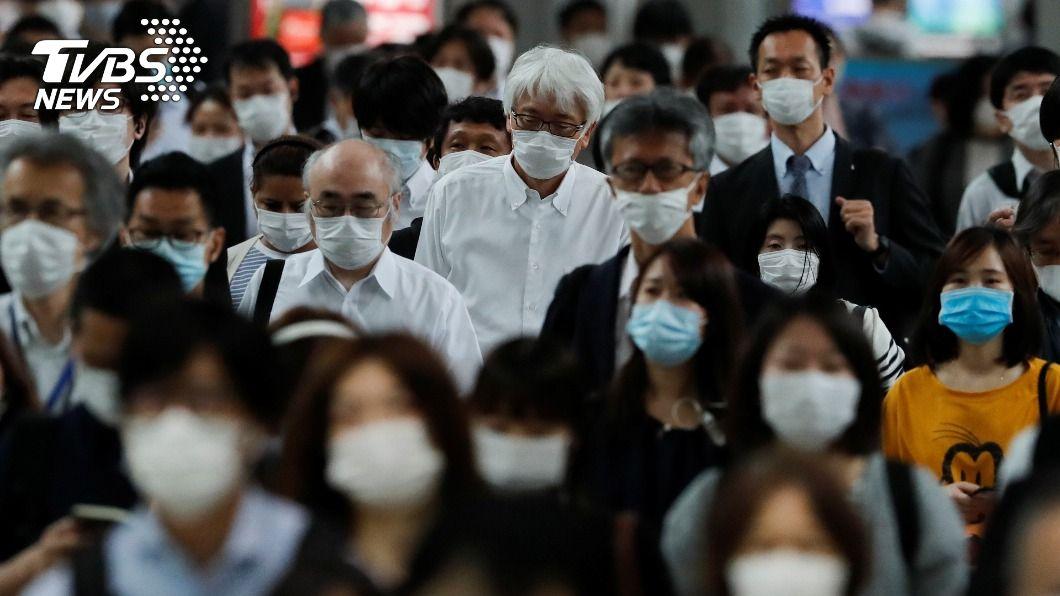 面對嚴峻疫情,日本政府預定明(7)日2度發布「緊急事態宣言」。(示意圖/達志影像路透社) 配合2度緊急事態 日本大企業多數員工在家上班