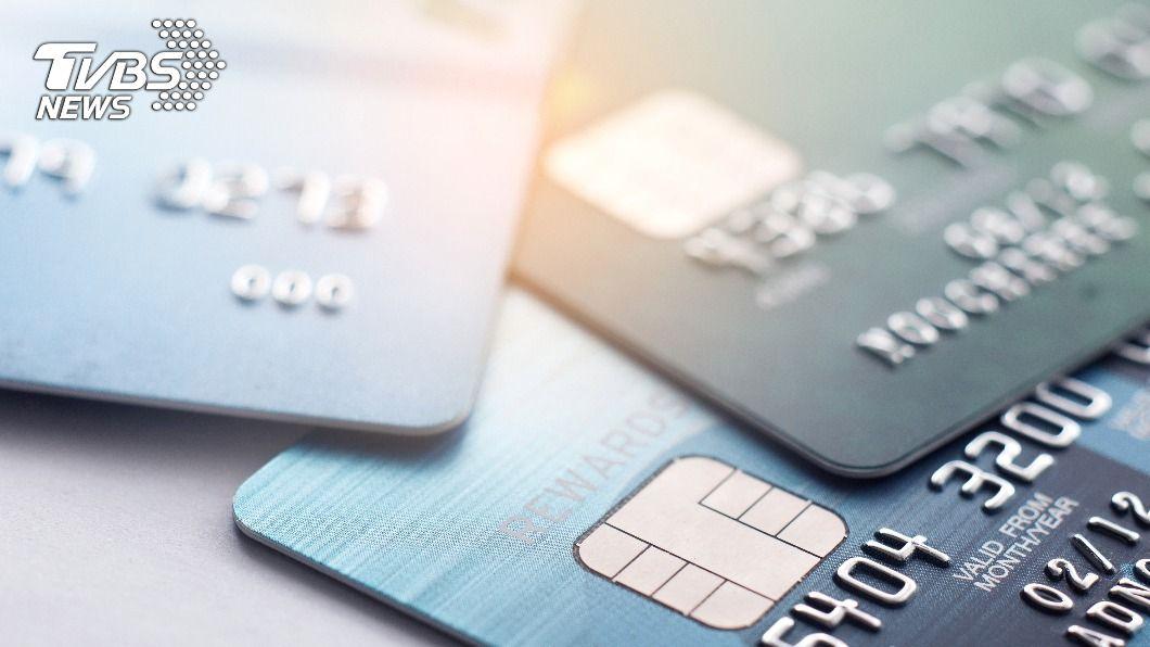 菲律賓華裔參議員張僑偉的信用卡昨(5)日遭盜刷。(示意圖/shutterstock達志影像) 菲律賓參議員信用卡遭盜刷 1小時花62萬元狂訂餐