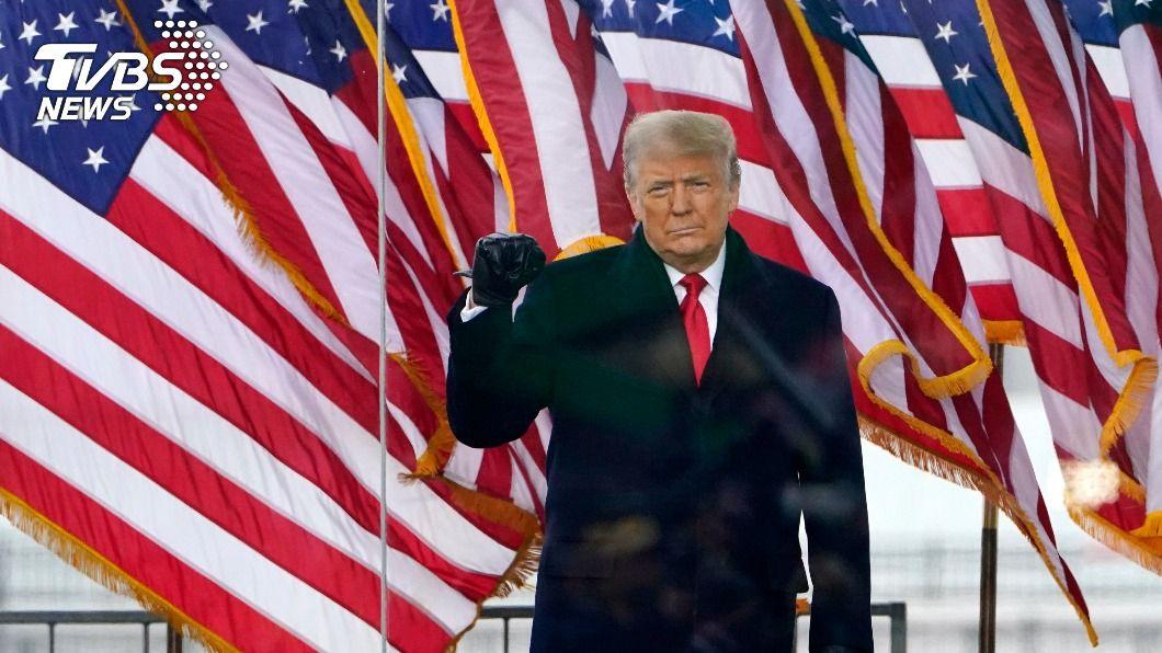 美國總統川普呼籲支持者理性,保持和平。(圖/達志影像美聯社) 支持者闖入國會大廈 川普推文籲:保持和平
