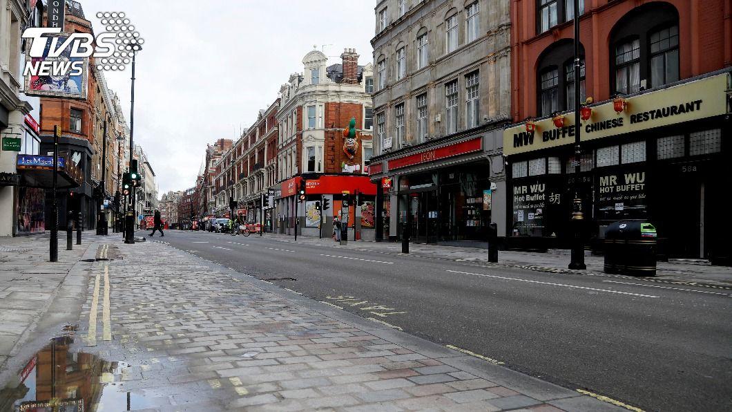 英國實施封城。(圖/達志影像美聯社) 英國會表決通過封城令 病故數未來數週料攀升
