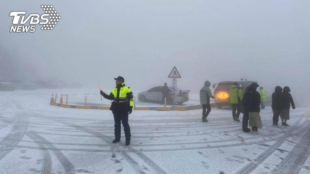 (圖/中央社資料照) 合歡山追雪族注意 公路總局不排除預警封路