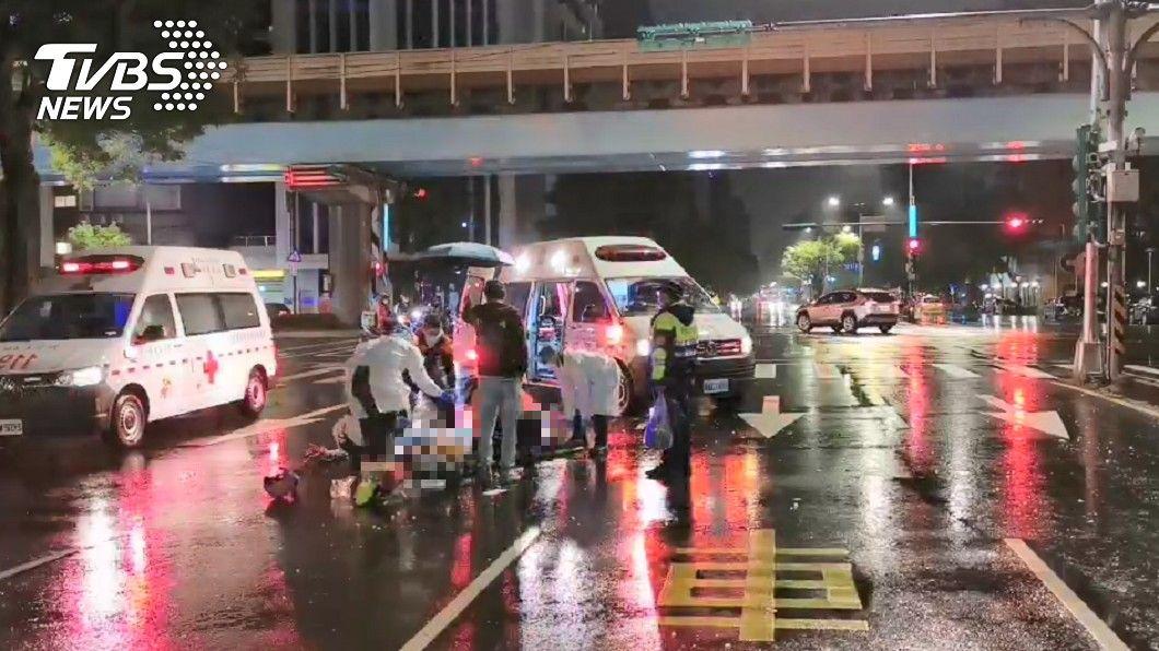 圖/TVBS 8旬婦闖紅燈遭7旬翁撞飛亡 女兒接通知「不知媽離家」