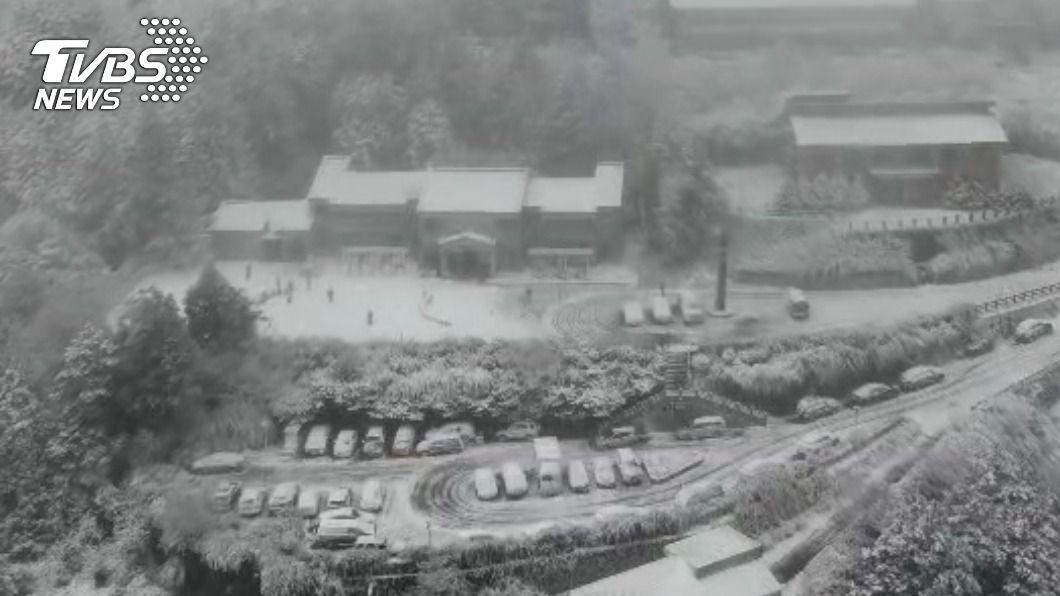 宜蘭太平山美景。(圖/TVBS) 追雪去!全台4大名景懶人包 銀白雪景一次收