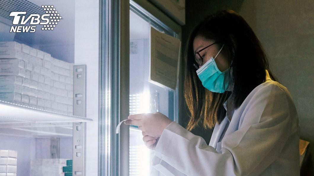 香港當局預計春節後為港人施打新冠疫苗。(示意圖/達志影像路透社) 港預購2250萬劑新冠疫苗 預計春節後施打