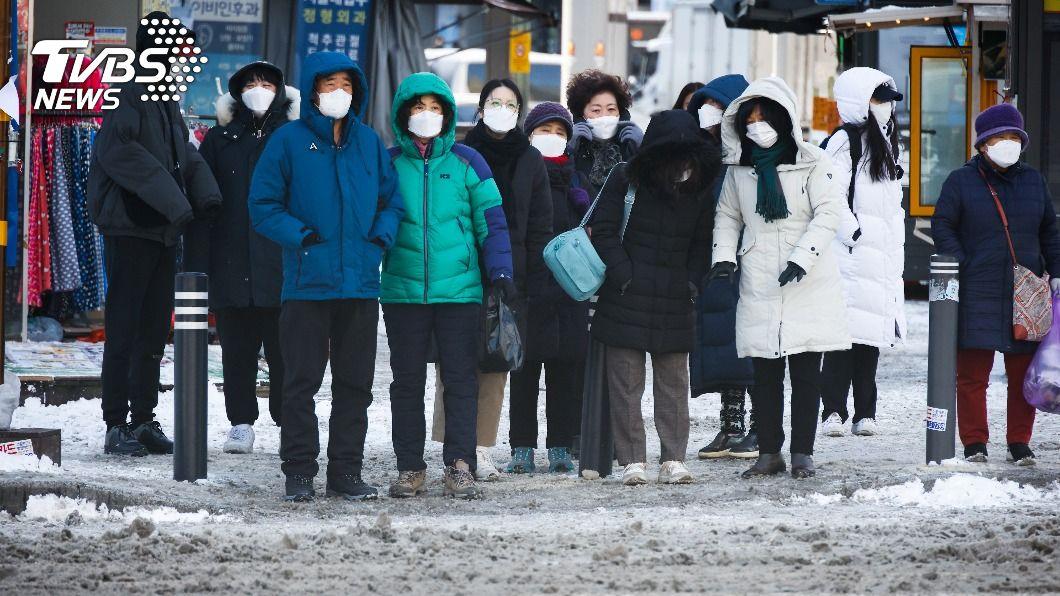 首爾迎來零下18.6度低溫。(圖/達志影像路透社) 3歲童太餓出門被反鎖 「零下18度」穿內衣呆坐超商