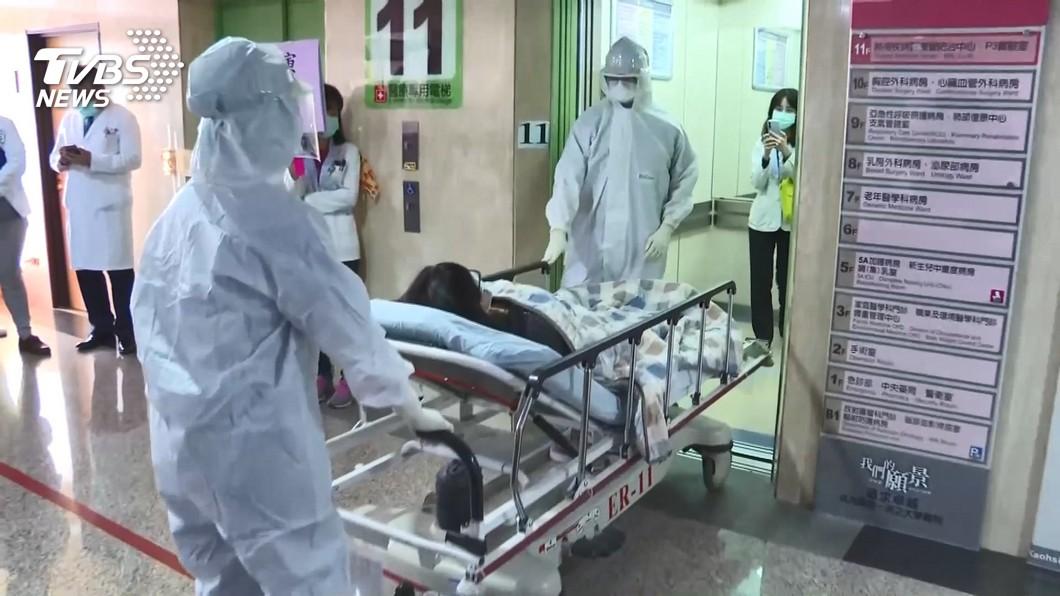 醫院群聚「潛伏期驗不出」 265醫護明複採