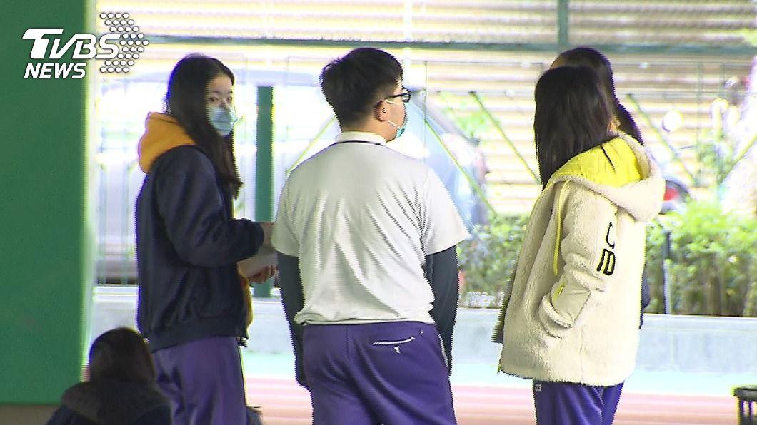 圖/TVBS資料畫面 北市仍有國高中設髮禁衣禁 教育局:6月前改校規