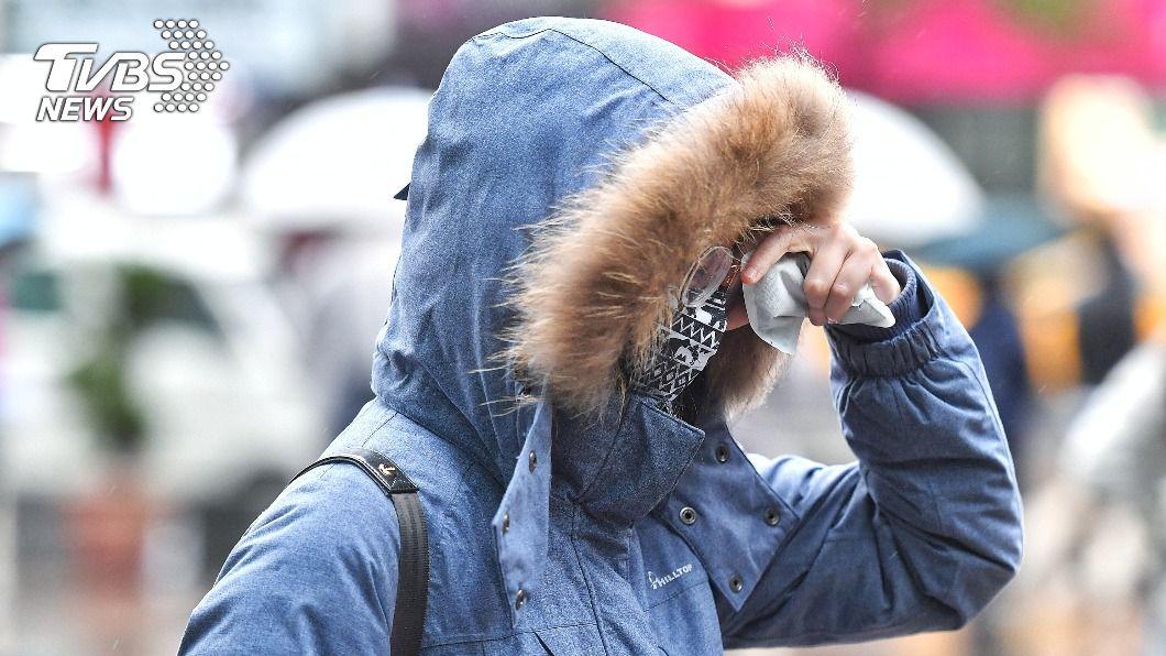 8成學校違規 教部明令:校服內外可加穿禦寒衣物