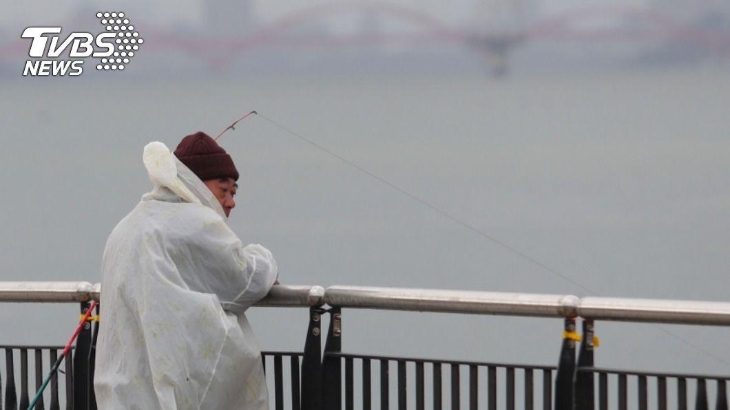 冷氣團強襲 北台灣15度東北嚴防短暫雨