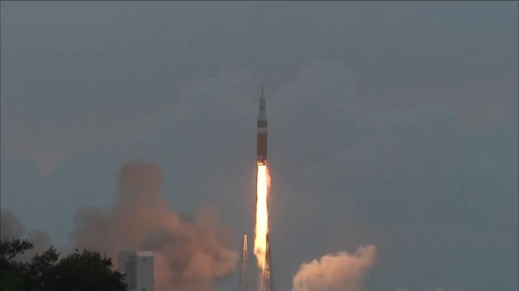 美登月計畫受挫!最強火箭引擎僅點燃1分鐘