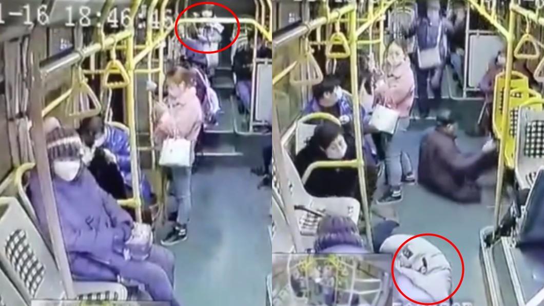 (圖/翻攝自沸點視頻) 公車進站前急煞 乘客「噴飛2公尺」重摔慘死