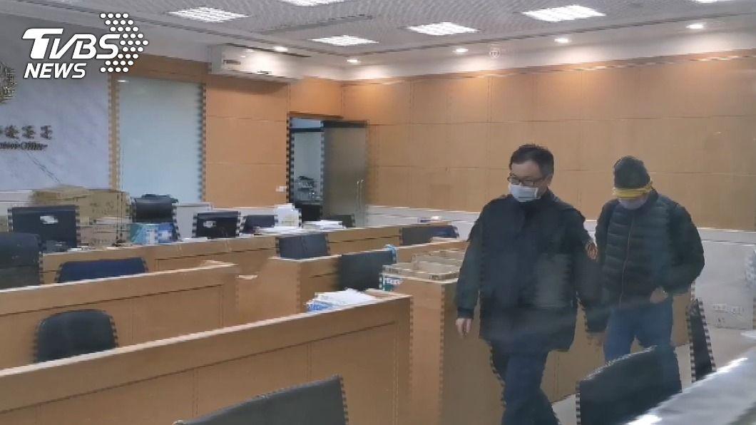 會計師施景彬等6名被告交保候傳。(圖/TVBS) 淘帝-KY涉掏空、內線交易 6被告交保