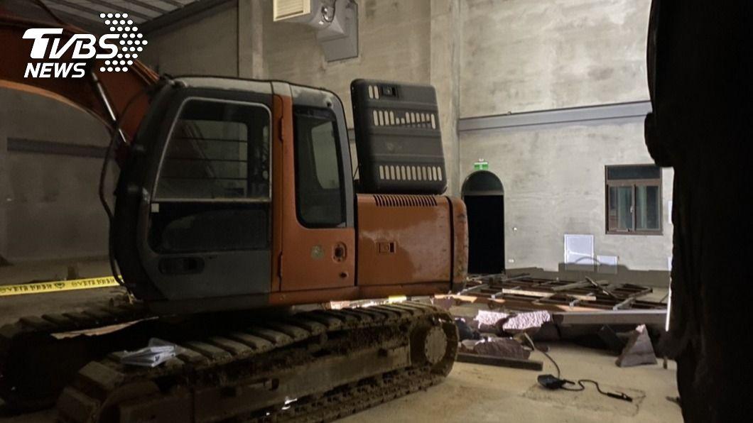 圖/TVBS 快訊/成台機械命案 董事施工遭巨石重壓亡