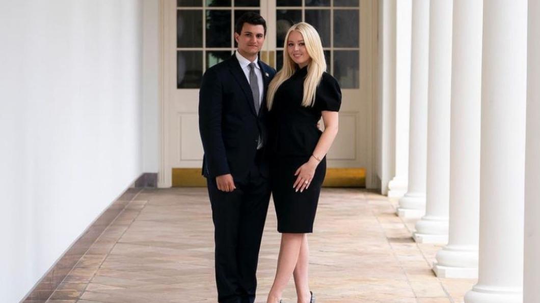 川普女兒蒂芬尼訂婚 與未婚夫合照秀婚戒