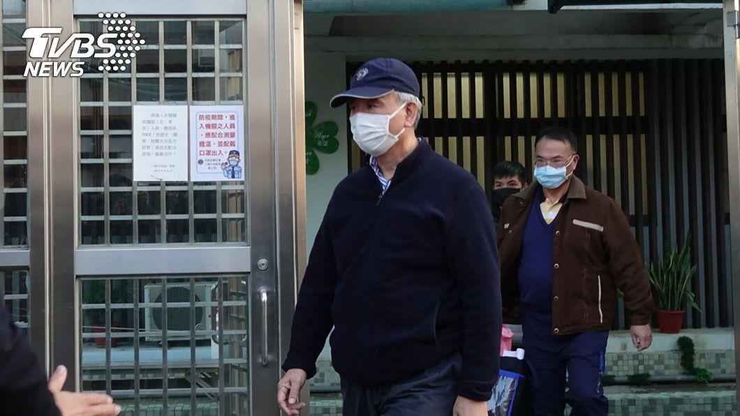 魏應充昨獲假釋。(圖/中央社) 假釋後第一天 魏應充到台北地檢署報到