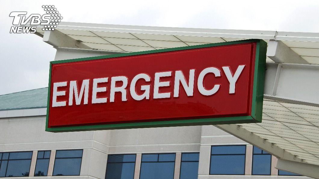 印度一名10歲男童遭烈火灼身,全身90%面積燒燙傷,目前仍在醫院搶救中。(示意圖/shutterstock 達志影像) 烈火吞噬全身90%燒燙傷 10歲童與死神搏鬥
