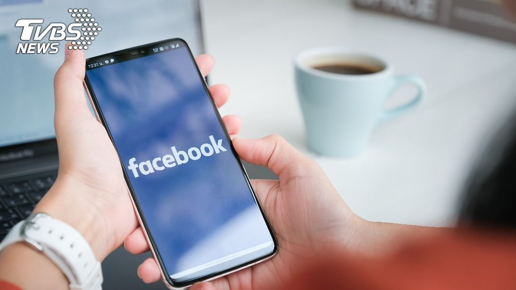 臉書「強迫用戶登出」 網:以為被盜