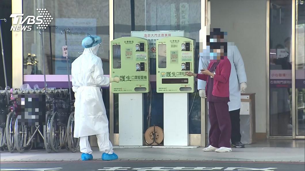 桃園爆發醫護人員群聚感染事件。(圖/TVBS) 部桃爆出群聚感染 首位確診醫師自責「哪個環節出錯?」