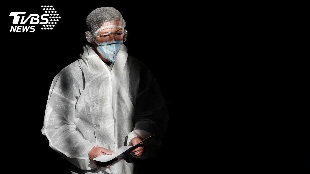 為防範新冠病毒,德國今(25)日起強制民眾戴口罩。(示意圖/達志影像路透社) 防變種病毒擴散 德國強制民眾戴醫用口罩