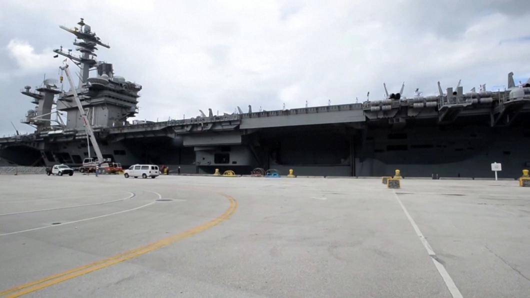 台海局勢緊張 美國航母兵分二路抵南海