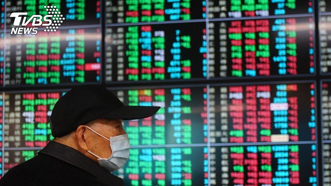 台股震盪收黑。(圖/中央社) 台積電再挫16元 台股重摔287點今年首破10日線