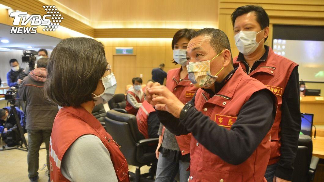 新北無預警查核醫院的防疫應變。(圖/中央社) 新北無預警查核醫院感控 改善分艙分流缺失