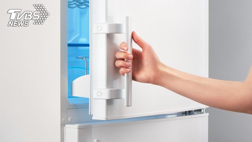 今年學測國文寫作題目「如果我有一座新冰箱」引起網路熱議。(示意圖/shutterstock達志影像) 「如果我有一座新冰箱」破聲量紀錄 歷年學測作文PK