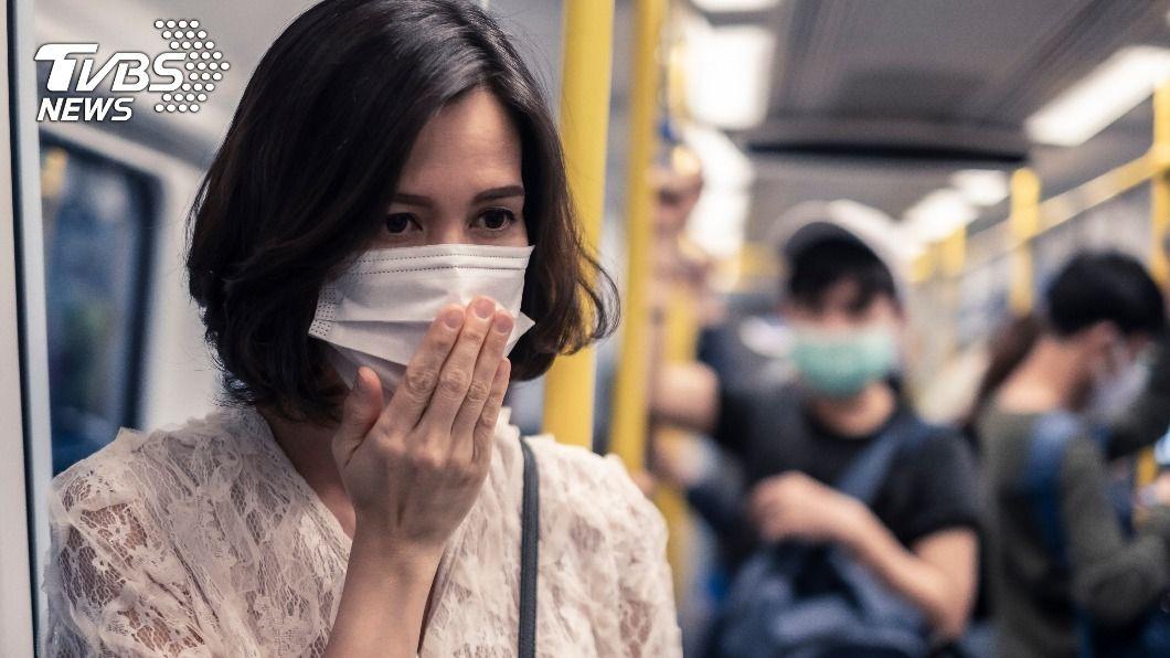 全球恐有650萬人染疫康復後患有嗅覺倒錯。(示意圖/Shutterstock達志影像) 家人飄腐爛肉味 全球650萬人染疫康復嗅覺倒錯
