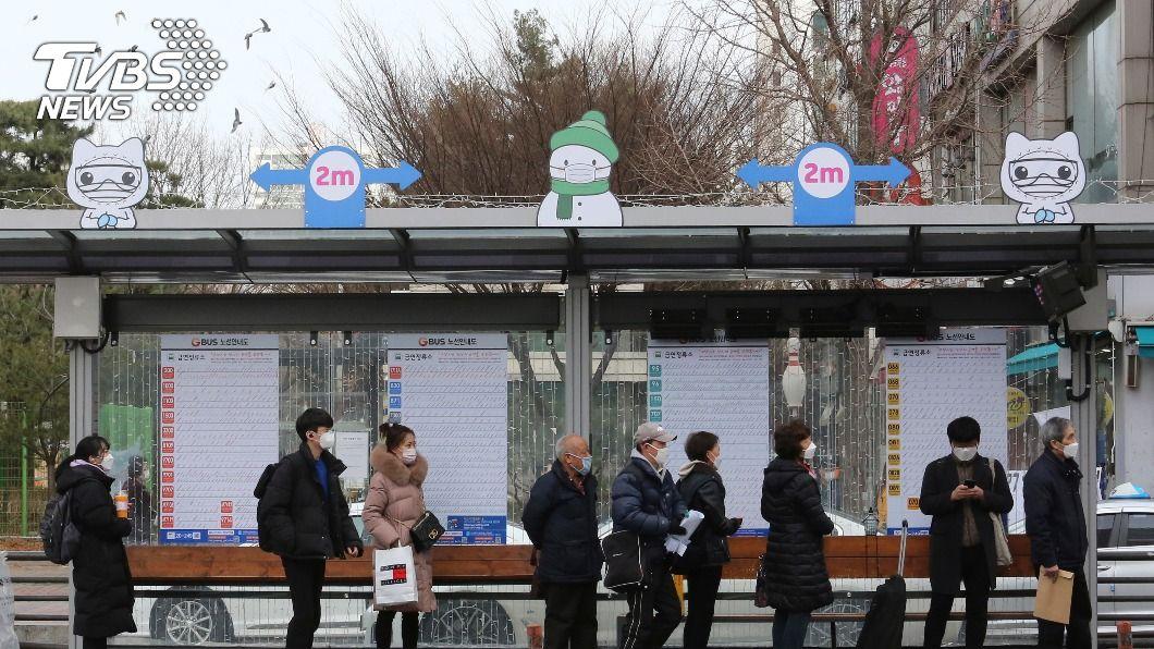 韓國延長實施防疫規定。(圖/達志影像美聯社) 韓國新冠肺炎疫情起伏不定 防疫規定再延2週