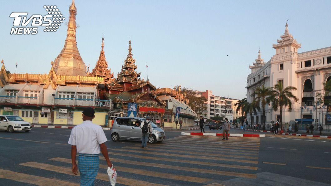 緬甸軍方對外宣布接管政府,並進入為期1年緊急狀態。(圖/達志影像美聯社) 緬甸軍方宣布接管政府 外交部:台僑安全未受影響