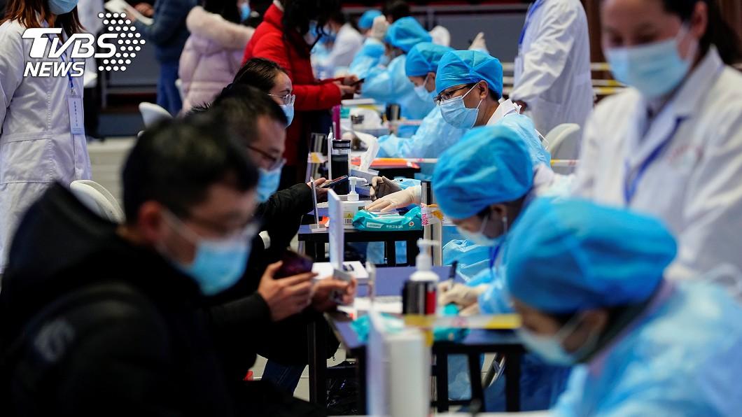 中國大陸近期破獲假疫苗製造鏈。(示意圖,非本事件/達志影像路透社) 陸破獲假新冠疫苗製造鏈 3000支全是生理食鹽水
