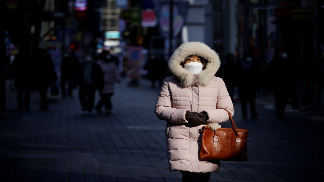圖/達志影像路透 過年5人限聚!首爾遊民確診失蹤 警全城搜索