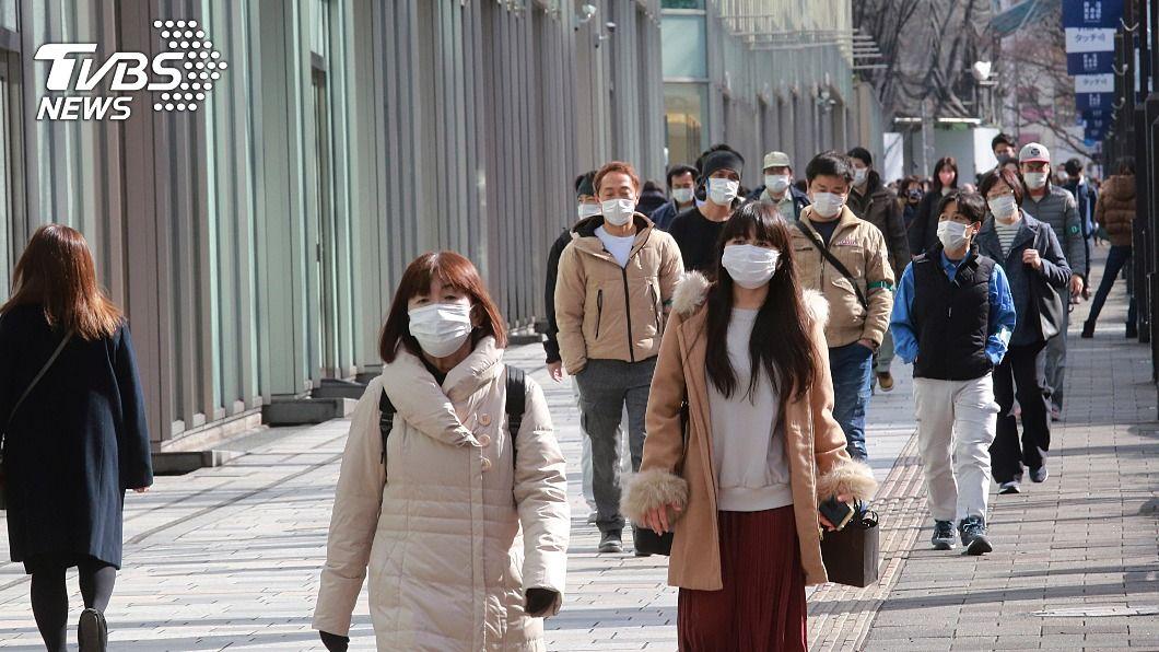 日本新冠疫情嚴峻。(圖/達志影像美聯社) 日本新冠疫情難遏 專家分析緊急事態宣言解除時機
