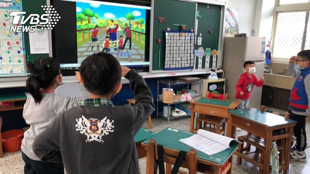 寒假培養學童生活自理能力。(圖/中央社) 中市府舉辦寒假照顧服務 減輕身障學生家長負擔