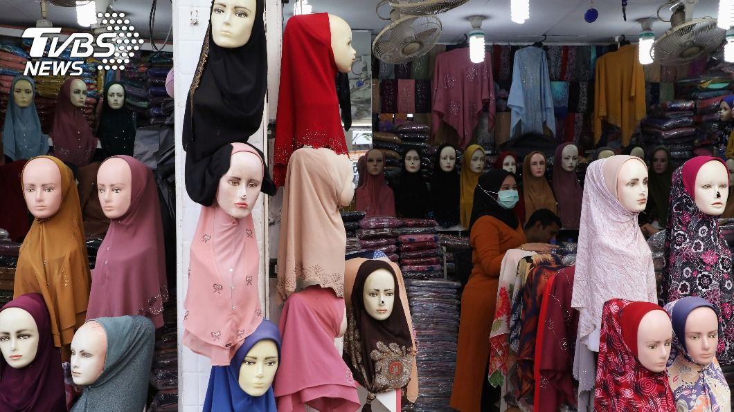 (圖/達志影像路透社) 印尼政府下禁令 不得要求女學生戴頭巾