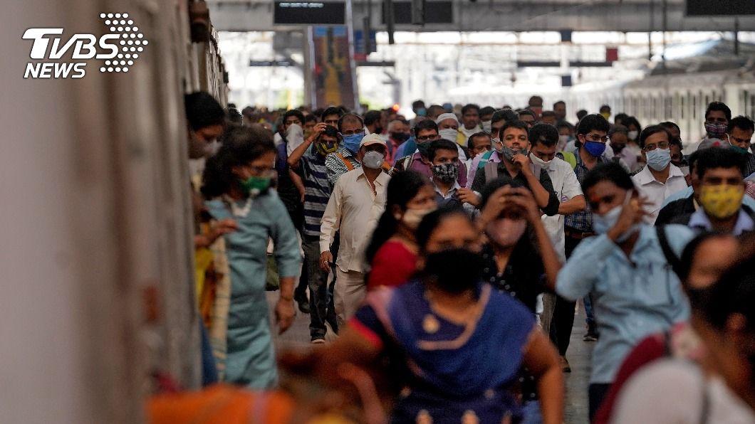 調查指印度1/5的人口曾染疫。(圖/達志影像路透社) 印度全國血清調查 約1/5人口曾感染新冠肺炎