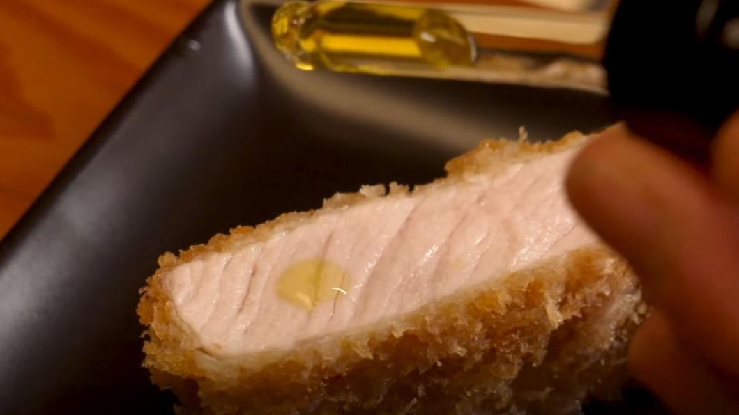 圖/翻攝自Eater YouTube 橄欖油襯出肉鮮甜 顛覆日式炸豬排吃法