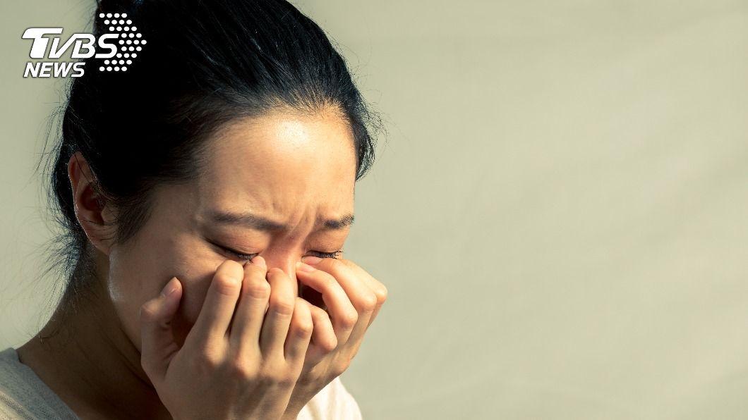女子抱怨老公婚前婚後判若兩人。(示意圖/shutterstock 達志影像) 在家待產被尪嗆「沒路用」 人妻淚訴:婚後全變