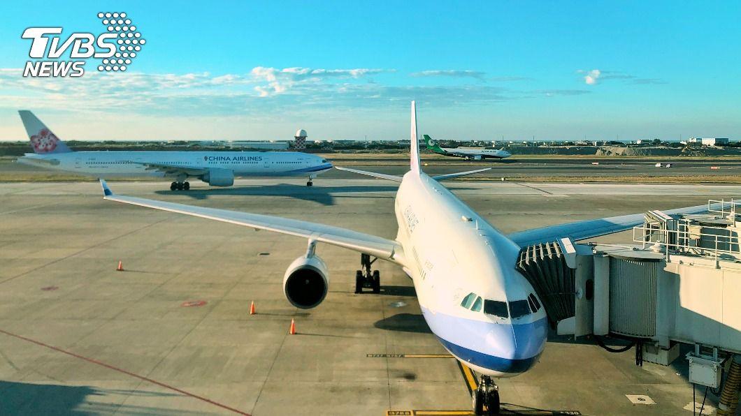 受疫情影響桃機春節旅客恐大幅減少。(圖/中央社) 桃機出入境旅客數創春節新低 較去年同期減99.75%