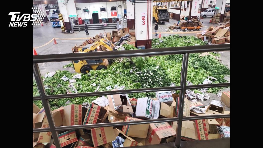 (圖/TVBS) 澄清菜價沒崩盤 農委會:丟棄因農藥過量及質差價低